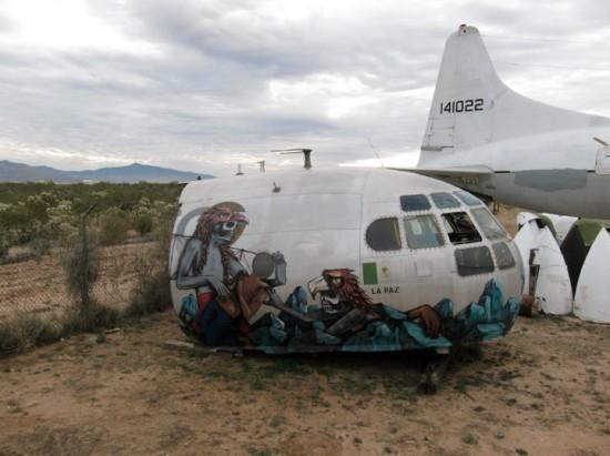 Крупнейший музей авиации раскрасил старые самолеты. Изображение № 5.