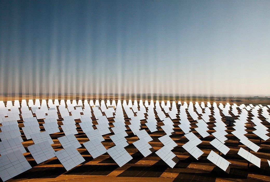 Как выглядит будущее: сотни гектаров солнечных ферм. Изображение № 8.
