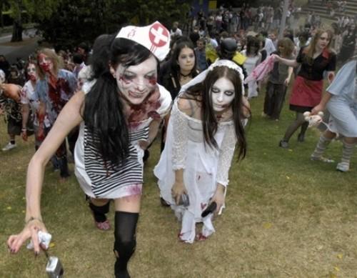 ВоФранкфурте прошел парад зомби. Изображение № 13.