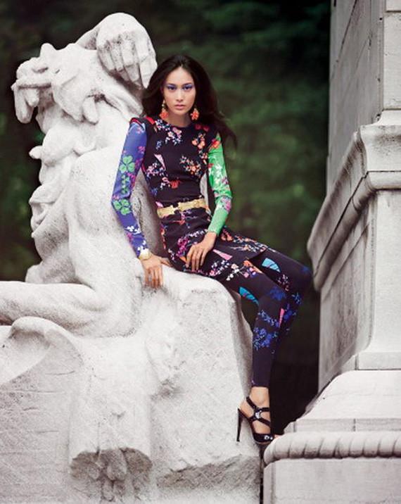 Донателла Версаче для H&M на страницах русского Vogue. Изображение № 2.