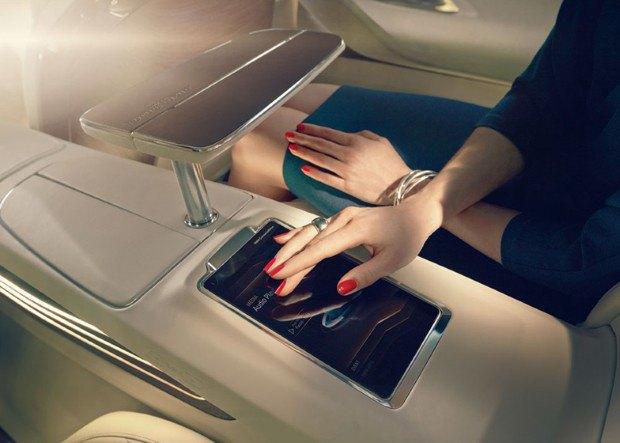 BMW представила концепт-кар с дополненной реальностью. Изображение № 9.