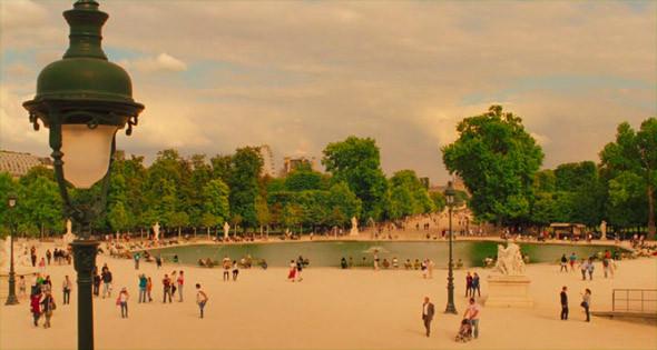 1. Jardin du Luxembourg Второй по величине парк Парижа, расположенный в Латинском квартале, и излюбленное место отдыха парижан. В Люксембургском дворце заседает сенат, а для простых людей вокруг фонтана и под каштанами стоят железные стулья, где приятно посидеть с книжкой; в кафе дают мороженое, старички играют в петанк, вокруг бегают адепты джоггинга и маленькие собачки.. Изображение №73.