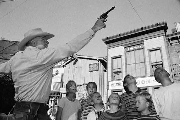 Америка - нация оружия. Фотографии Зеда Нельсона. Изображение № 7.
