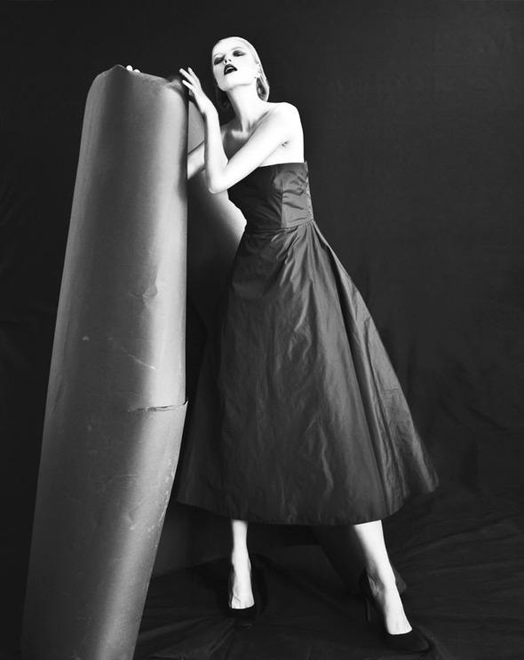 Новые съемки: Vogue, V, Elle и другие. Изображение № 31.
