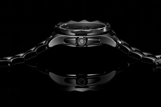 Карл Лагерфельд создал коллекцию часов. Изображение № 3.