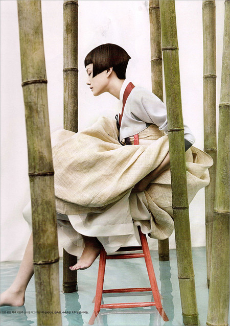 The Grace of the HanBok (Vogue Korea October 2007). Изображение № 4.