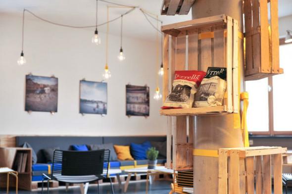 На скорую руку: Фаст-фуды и недорогие кафе 2011 года. Изображение № 50.