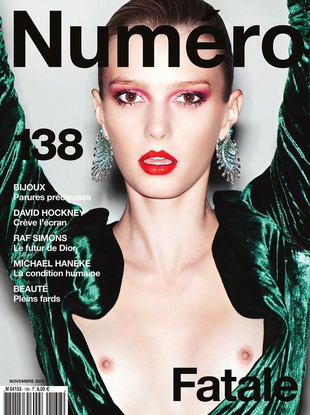 Вышли новые обложки Vogue, Numero, Interview и других журналов. Изображение № 12.