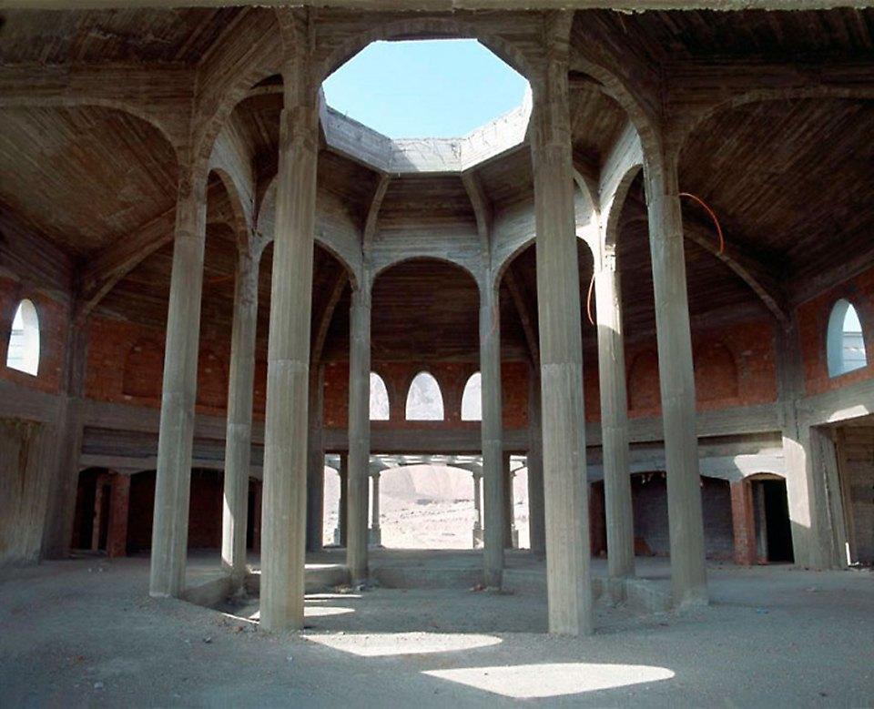 Что осталось от роскошных гостиниц в египетской пустыне. Изображение № 8.