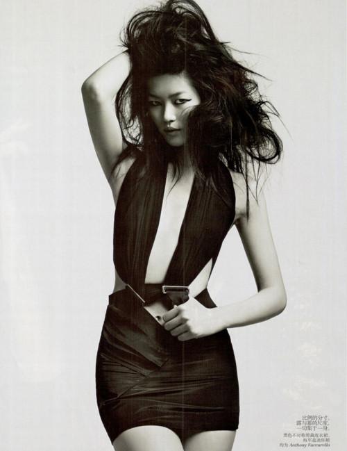 Фотосессия Лиу Вен и Фей Фей Сун для Vogue China. Изображение № 5.