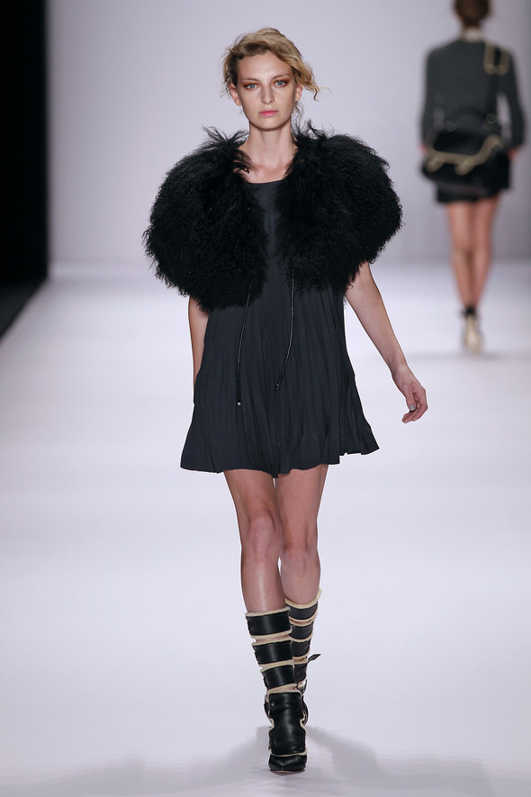 Berlin Fashion Week A/W 2012: Escada Sport. Изображение № 23.