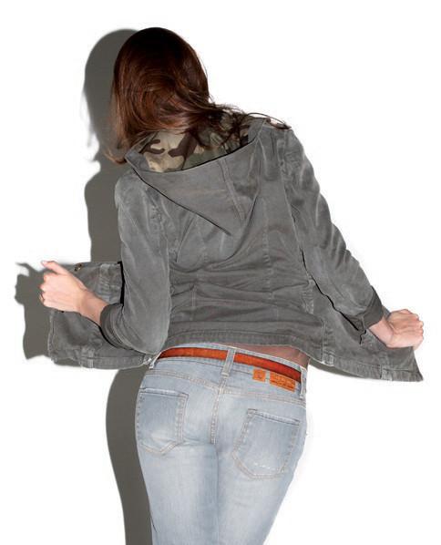2 Men Jeans, Two Women In The World – идеальная пара найдена. Изображение № 9.