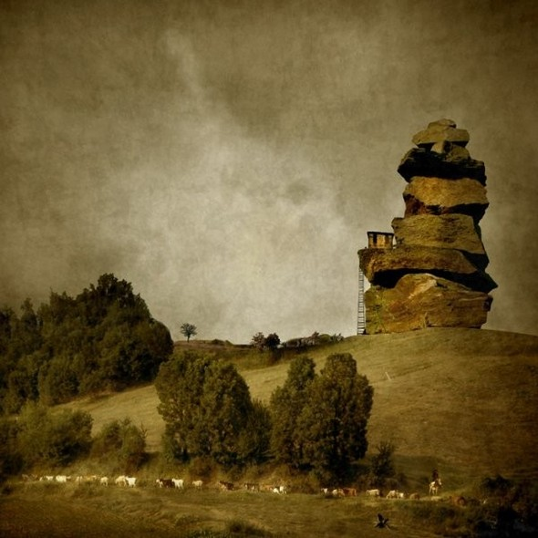 Загадочно-прекрасный мир болгарской фотохудожницы Магдалены Ванли. Изображение № 14.
