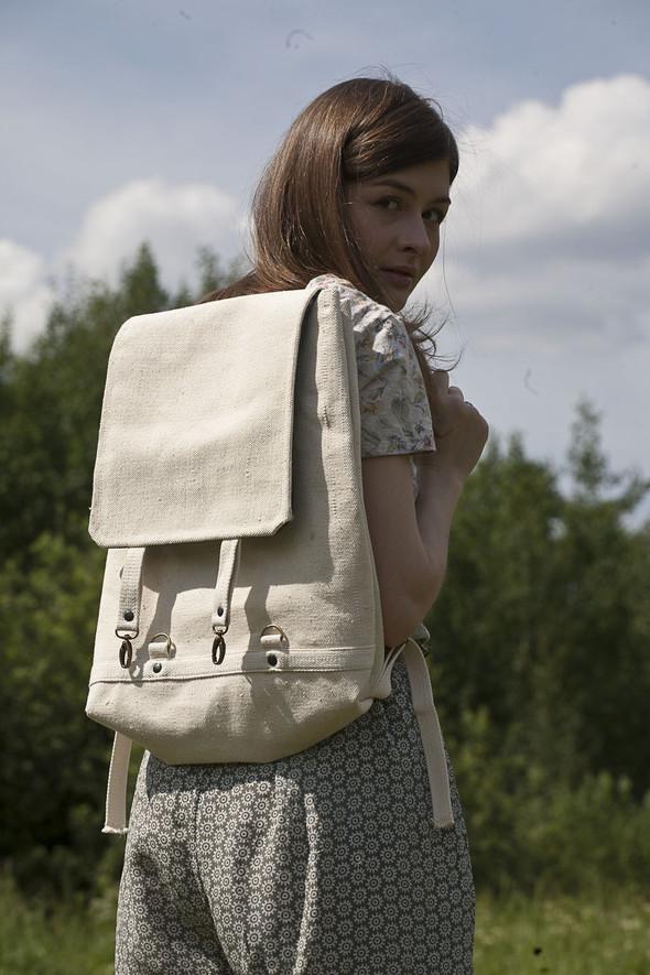 БЕЛОЕ — рюкзаки и сумки из грубого белого хлопка. Изображение № 26.