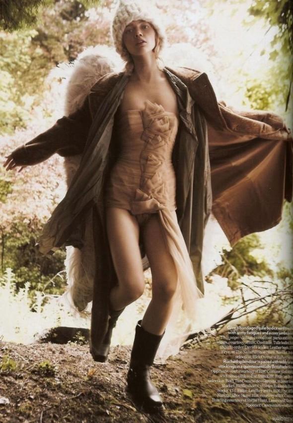 Изображение 3. «Sasha», британский Vogue, декабрь 2007.. Изображение № 3.
