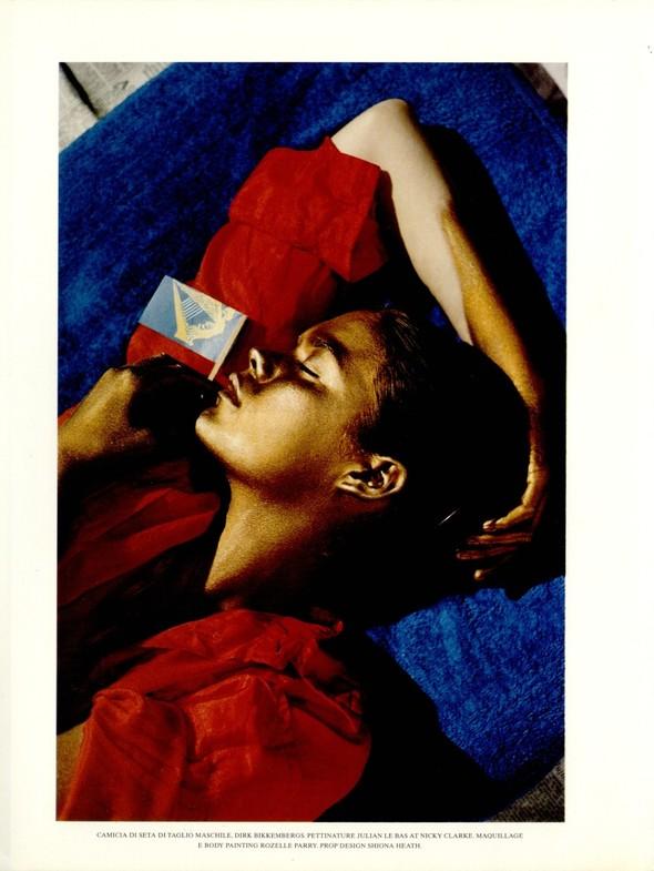 Архивная съёмка: Тим Уокер для итальянского Vogue, 2001. Изображение № 9.