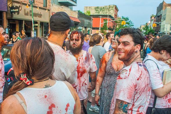 Зомби парад в Нью Йорке. NYC Zombie Crawl.. Изображение № 9.