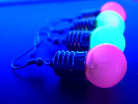Потрясающие сережки-лампочки отTWoo. Изображение № 12.