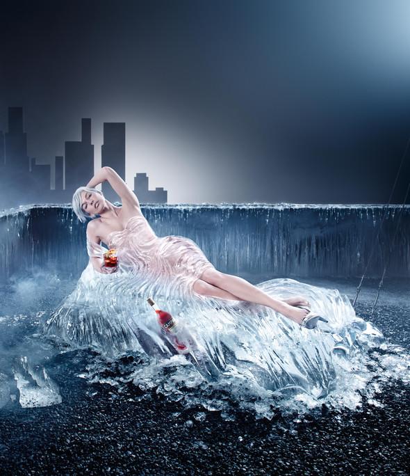 Мила Йовович в календаре Campari 2012. Изображение № 9.