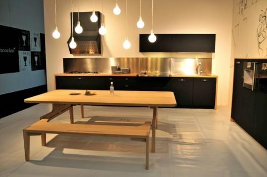 Кухня фирмы Schiffini – необычное сочетание дерева и резины. Изображение № 1.