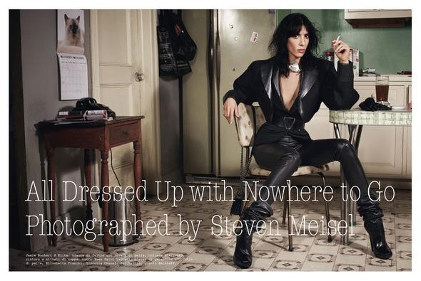 Стоп-кадр: Новые съемки Love, Russh, Vogue и V. Изображение № 56.