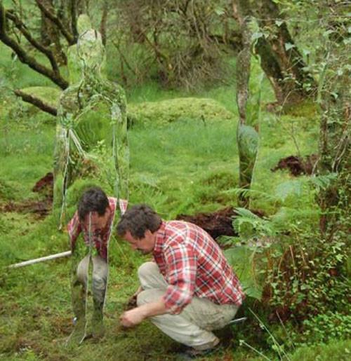 Скульптуры-призраки в шотландском лесу. Изображение № 12.