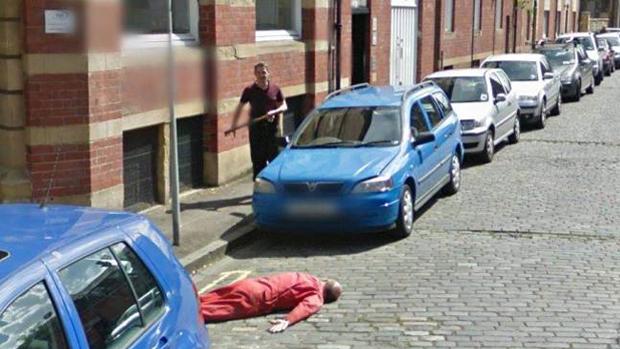 В Google Street View нашли фальшивое убийство. Изображение № 1.