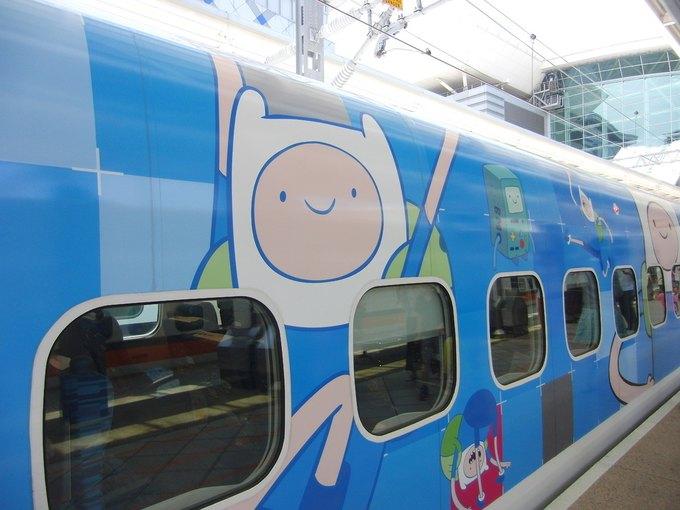 На Тайване запустили поезд в виде Джейка из «Времени приключений». Изображение № 3.
