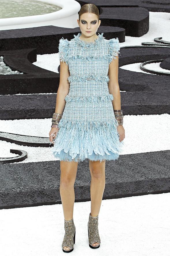 Карл Лагерфельд показал одну из самых красивых коллекций, когда-либо созданных для Chanel. Изображение № 13.