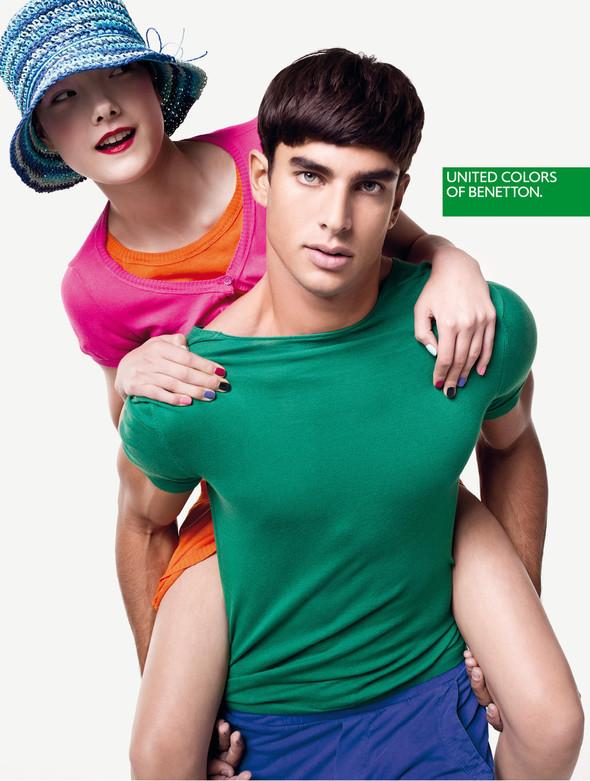 Кампания: United Colors of Benetton SS 2012. Изображение № 8.