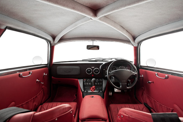 Воскрешение Aston Martin DB4 GT Zagato. Изображение № 15.
