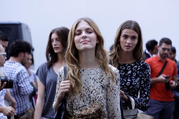 Milan Fashion Week: Модели после показов. Изображение № 19.