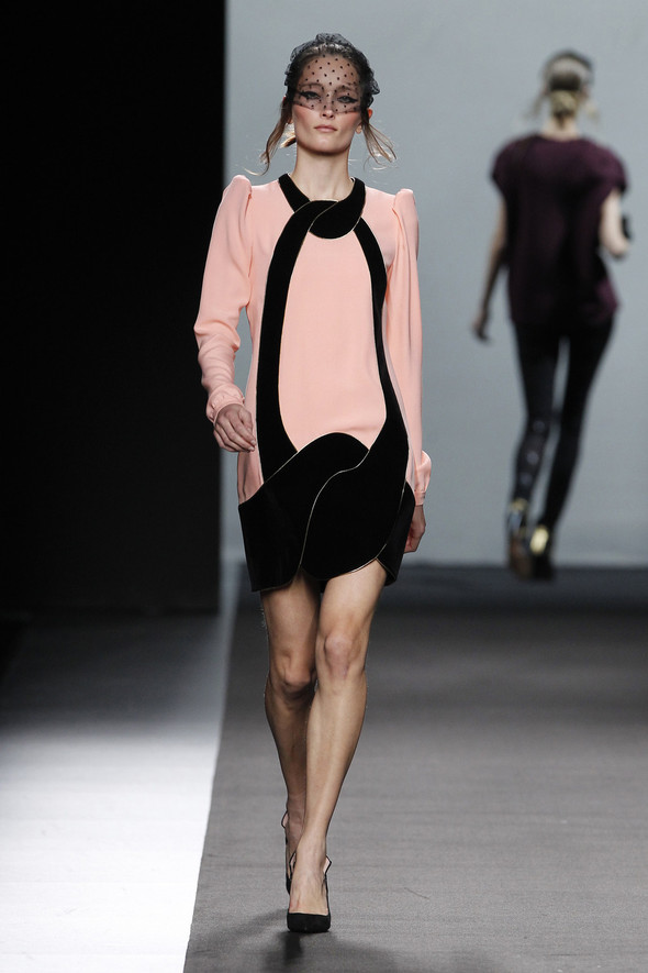 Madrid Fashion Week A/W 2012: Miguel Palacio. Изображение № 20.