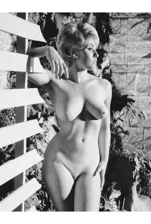 Части тела: Обнаженные женщины на фотографиях 50-60х годов. Изображение № 67.