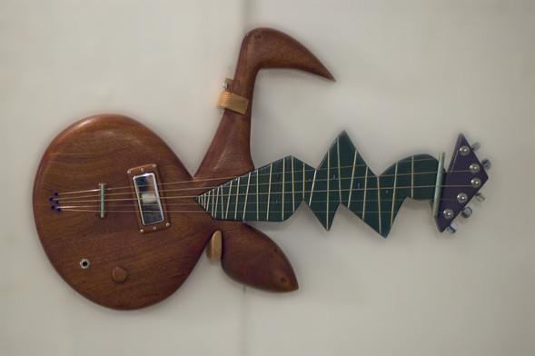 Странные гитары Бена Симона. Изображение № 4.