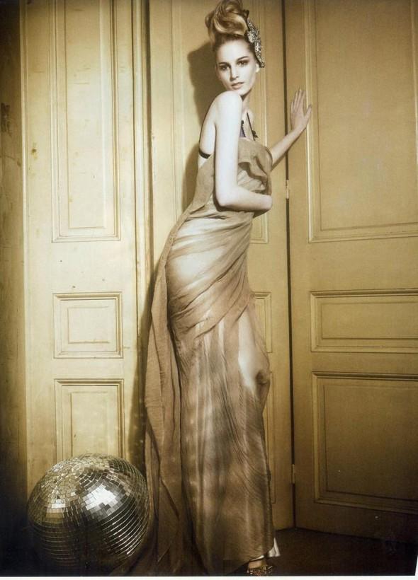 Съёмка: Розанна Георгиу для Vogue. Изображение № 10.