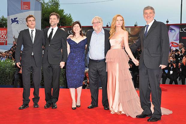 Команда «Мастера» перед премьерой на Венецианском кинофестивале. Изображение №1.