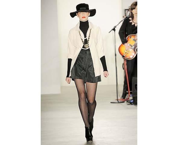 Неделя моды в Нью-Йорке: первые показы. Изображение № 79.