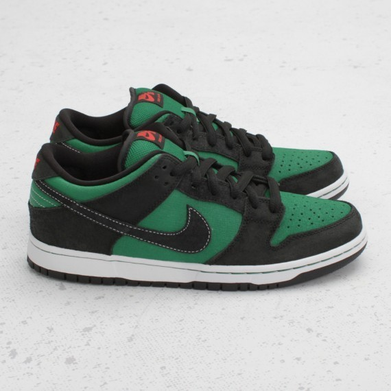 Nike SB Dunk Low Premium Pine Green Woodgrain. Изображение № 3.