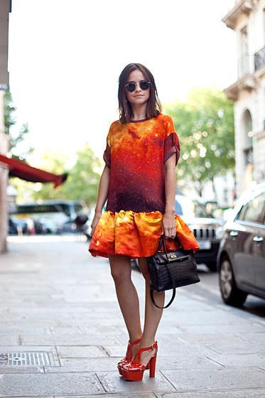 Уличный стиль на Неделе высокой моды в Париже. Изображение № 39.