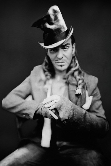 Джон Гальяно возвращается в моду. Изображение № 1.