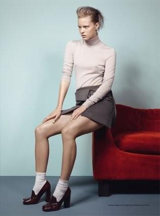 Съёмка в итальянском Vogue, январь 2011. Изображение № 58.