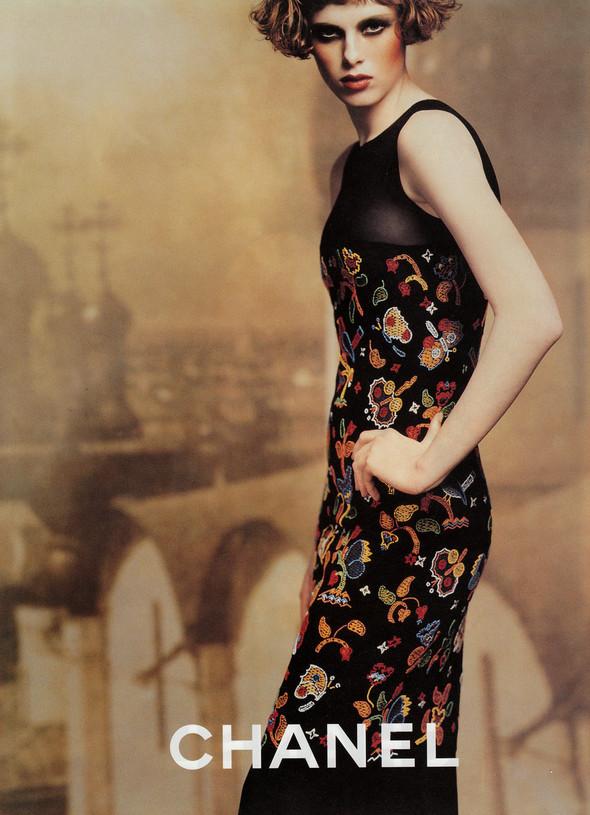 Архивная съёмка: Карен Элсон для кампании Chanel за 1997 год. Изображение № 3.