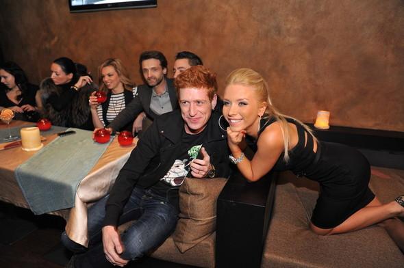 Девушка Блонда стала DJ Lady Blond и презентовала клип. Изображение № 13.