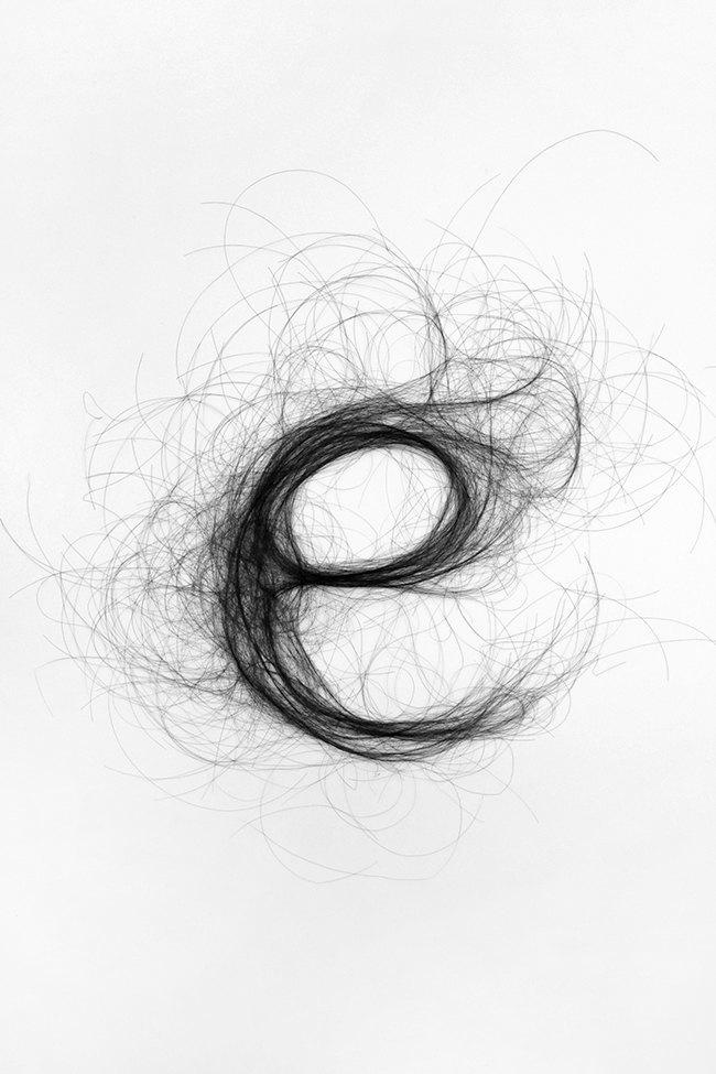 Дизайнер создала шрифт из человеческих волос. Изображение № 7.