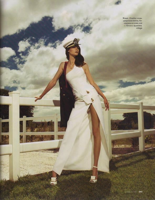 Съёмка: Кармен Касс для российского Elle. Изображение № 4.