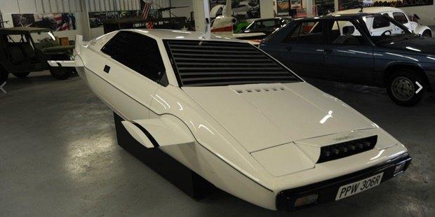 Машину-субмарину Джеймса Бонда выставили на eBay. Изображение № 1.