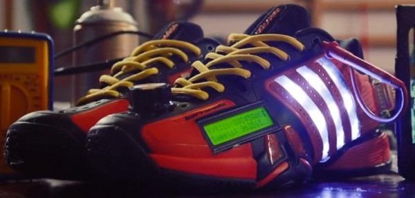 Adidas показала кроссовки с поддержкой Twitter. Изображение № 1.