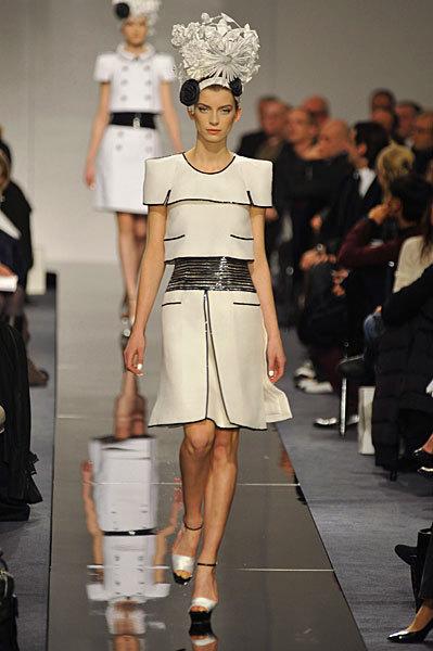 Chanel Spring 2009 Haute Couture. Изображение № 24.