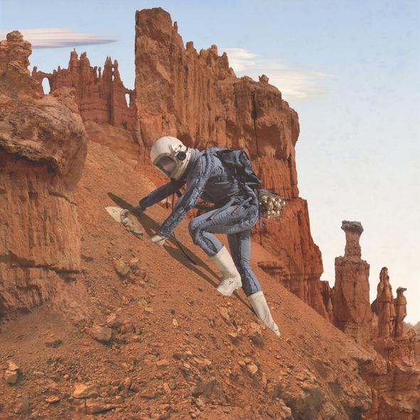 По просьбе NASA художники изобразили жизнь первых женщин на Марсе. Изображение № 1.